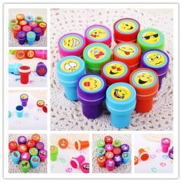 10 sztuk Self-atrament Znaczków Dzieci Sprzyja Partii Dostawy Zdarzeń Rysunek Zabawki dla Birthday Party Zabawki Chłopiec Dziewc