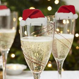10 sztuk/partia Boże Narodzenie Dekoracje Dla Domu Tabeli Miejsce Karty Christmas Santa Kapelusz Kieliszek do wina Dekoracji Now