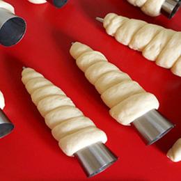 Najnowszy! 5 sztuk/partia Stożków Pieczenia Róg Rury Spiralne Ze Stali Nierdzewnej Rogalik podejmowania chleb Ciasta Ciasto Form