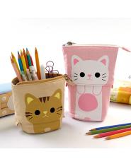 Piórnik w kotki na przegródki na zamek pojemny modny kolorowy uniwersalny młodzieżowy szkolny