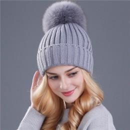 Xthree futra norki i nasadka kulkowa pom poms czapka zimowa dla kobiet dziewczyna kapelusz z dzianiny czapki czapka z daszkiem n