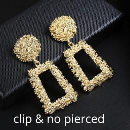 Modne eleganckie wiszące klipsy damskie połyskujące masywy oryginalny kształt w kolorze złotym srebrnym ekstrawaganckie