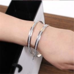 Min. order $10. darmowa dostawa! hurtownie Miły prezent biżuteria gwiazda bransoletka dla kobiet bransoletki. inteligentne okrąg