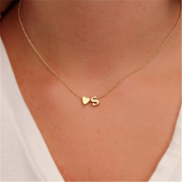Moda małe serce delicje początkowej spersonalizowane list nazwa Choker naszyjnik dla kobiet złoty kolor wisiorek – biżuteria akc