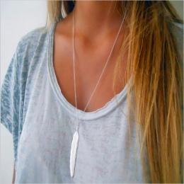 FAMSHIN 2017 Nowe Mody kobiet w stylu vintage długi naszyjnik biżuteria srebrna złota proste pióro wisiorek naszyjniki colar Biż