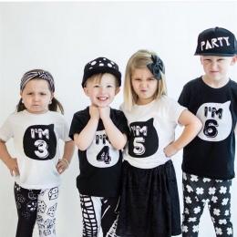 Dzieci 1 2 3 4 Rok Urodziny T-shirty Party Costume Czarny biała Koszula Chłopcy Dziewczyny Odzież Dla Dzieci Lato Fajne Streetwe