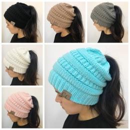 Kobiet Dziewczyny Stretch Knit Beanie Kapelusz Messy Bun Kucyk Holey Ciepłe Czapki Zimowe