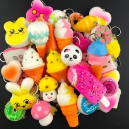 10 SZTUK Losowo Panda Chleb Gąbczasta Lodów Powolne Rośnie Cute Paski Do Telefonów Ciasto Bułeczki Wisiorek Zabawki Dzieciak Wyc
